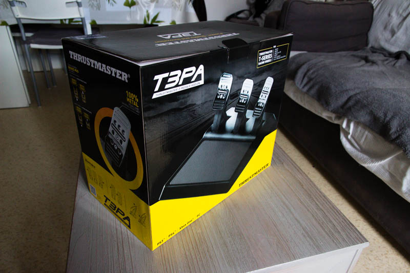 Thrustmaster T3PA : un carton imposant !