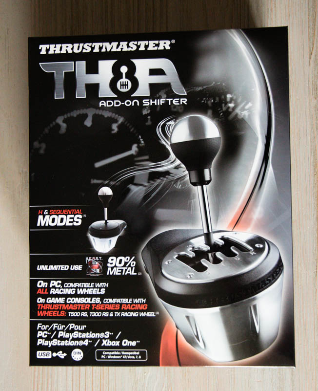 Thrustmaster TH8A : un emballage conséquent