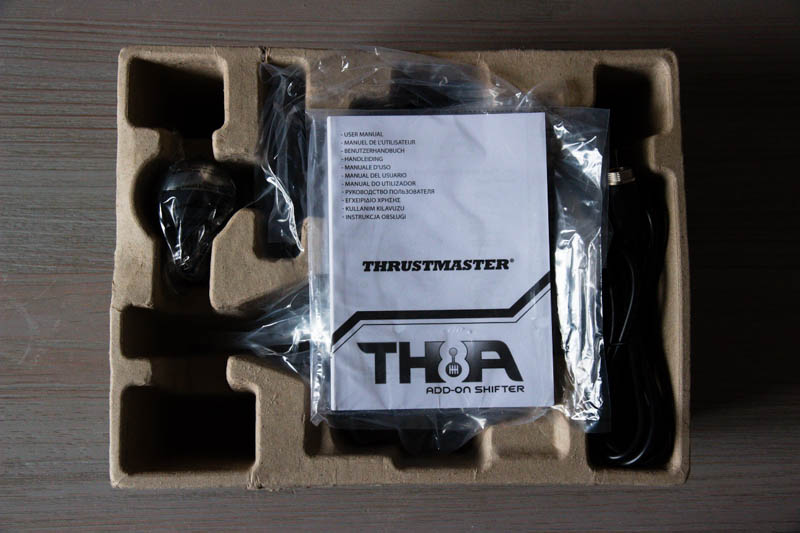 Thrustmaster TH8A : un packaging au top