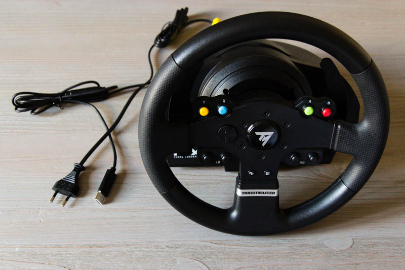test du volant thrustmaster tmx force feedback le autos post. Black Bedroom Furniture Sets. Home Design Ideas