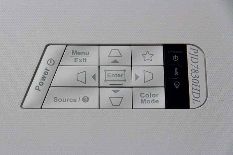Viewsonic PJD7830 : le panneau de commande